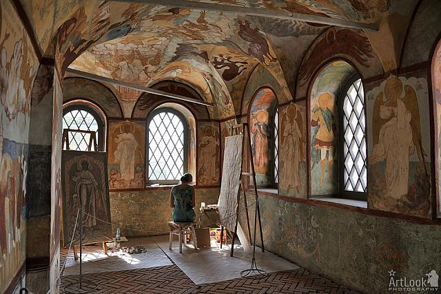 Coping Beautiful Frescoes