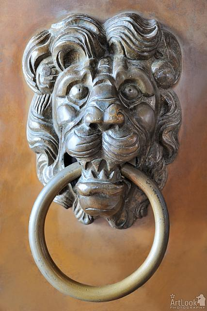 Bronze Lion's Head Door Handle