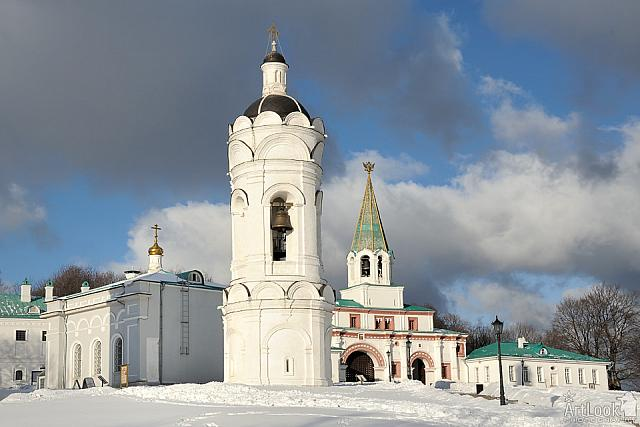 Bell Tower of the Church of St. George in Kolomenskoye in Winter