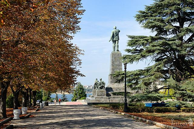 Walking at square near monument to Lenin - Sevastopol cityscapes