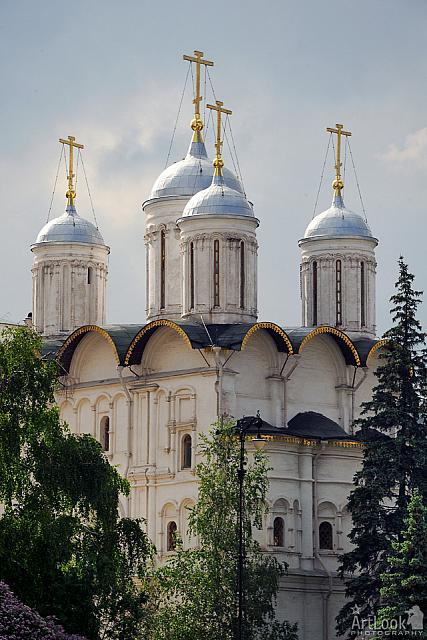 Silver Domes of Twelve Apostles' Church (Moscow Kremlin)