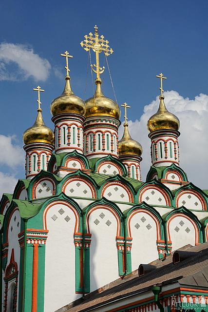 Golden Domes of the Church of St. Nicholas in Khamovniki (Moscow)