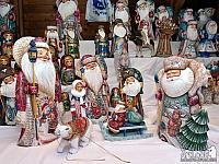 Wood Carved Ded Moroz