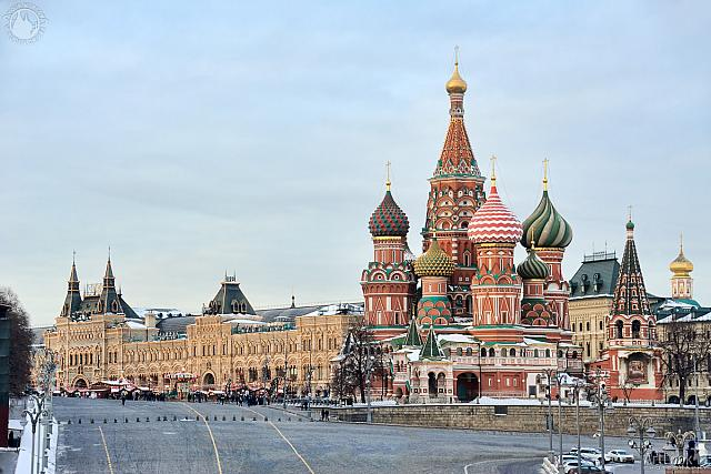 Overview St. Basil's Cathedral from Bolshoi Moskovoretsky Bridge
