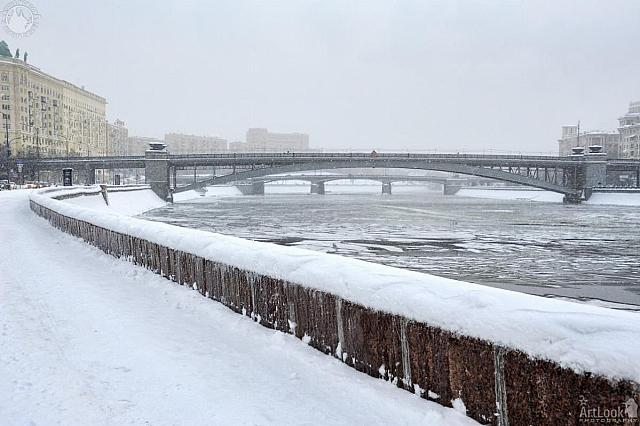 At Smolenskaya Embankment in Heavy Snowfall