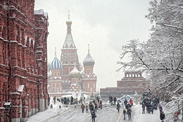 People Walking to and from Red Square in Heavy Snowfall