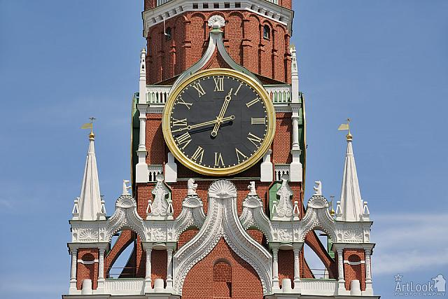 The Famous Kremlin's Clock and Gorgeous Decor of Savior Tower