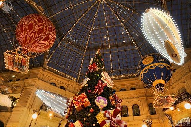 New Year Balloons Under Cupola of GUM Mall