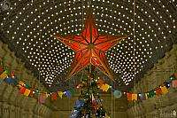 A La Kremlin Star – The Christmas Tree Topper in GUM